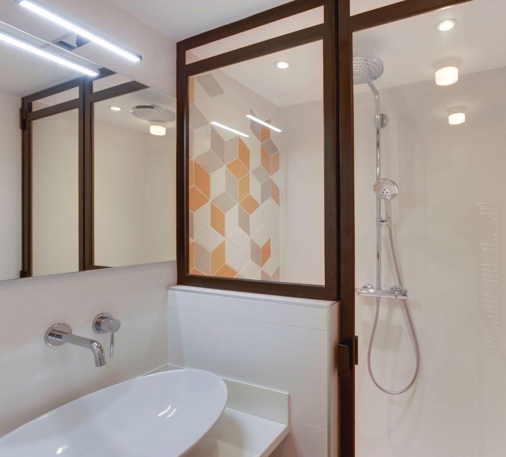 Salle de bains un cocon indépendant