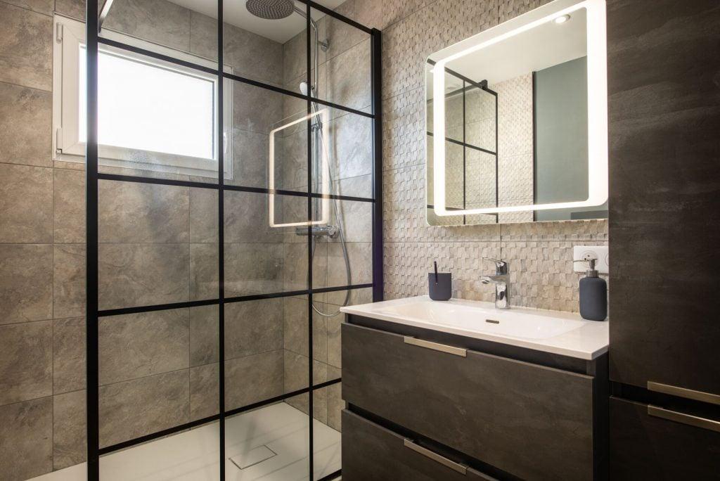 Salle de bains Un refuge Lumineux